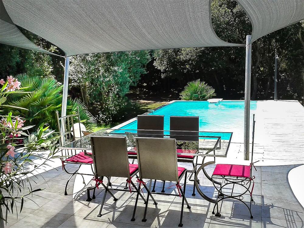 Vente villa avec piscine bonifacio corse patrimoine for Camping bonifacio avec piscine