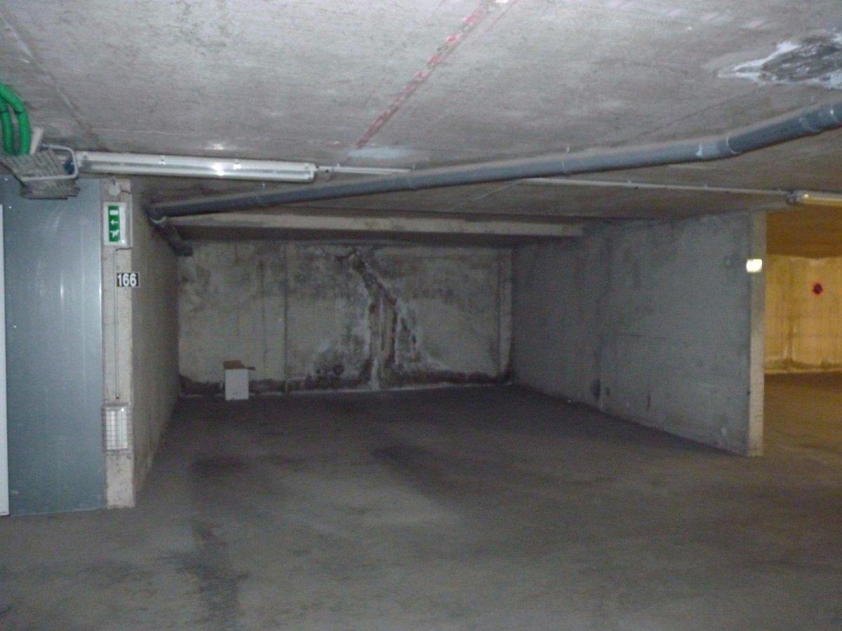 Vente garage au coeur de porto vecchio corse patrimoine for Garage peugeot porto vecchio