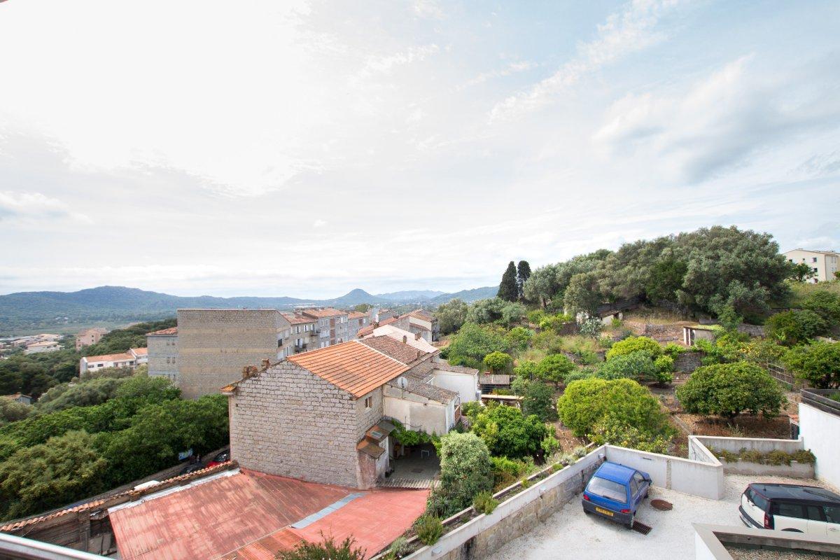 Vente appartement avec terrasse porto vecchio corse for Vente appartement avec terrasse