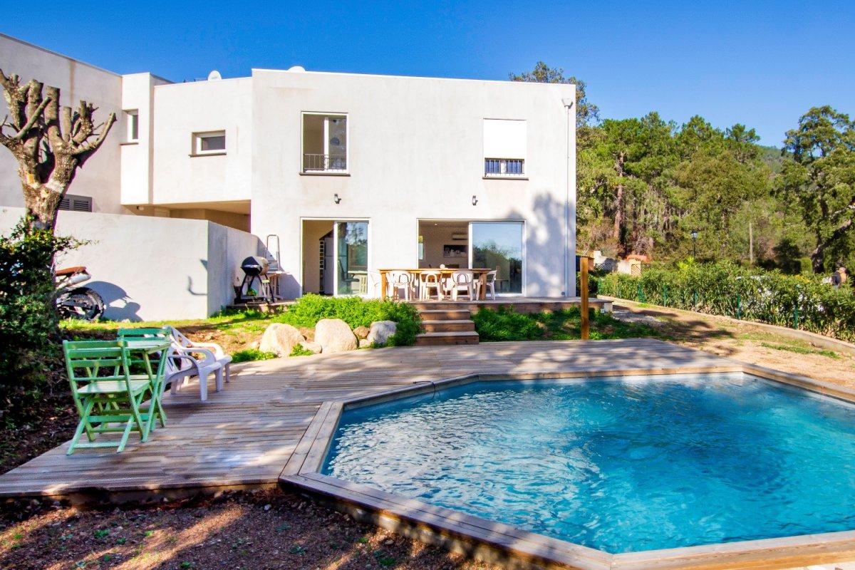 Vente villa contemporaine avec piscine à Lecci