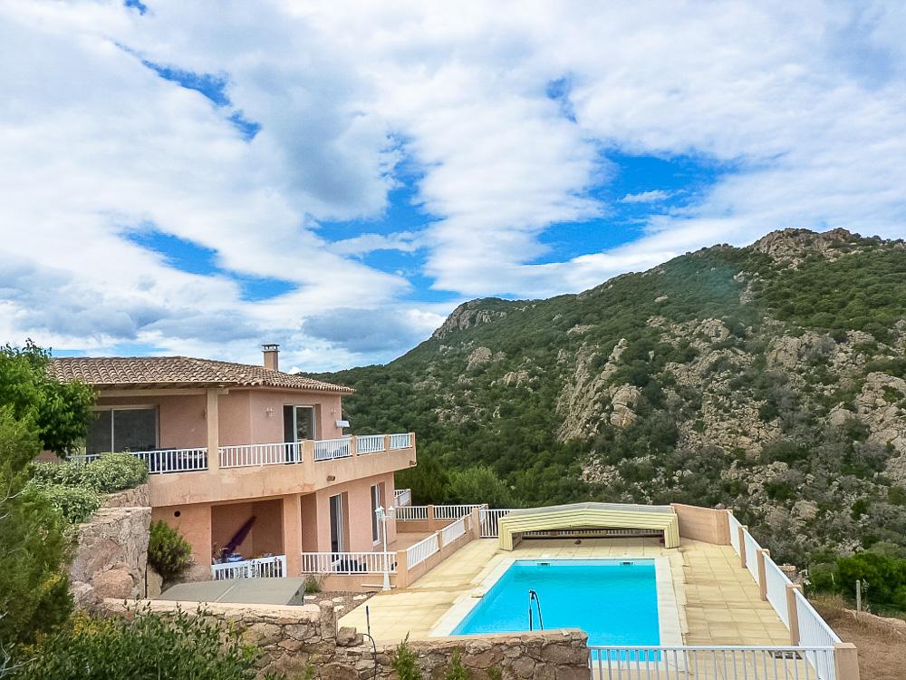 Vente villa avec piscine porto vecchio corse patrimoine for Garage peugeot porto vecchio